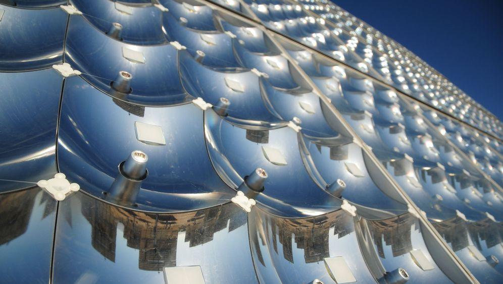 Solarenergie: Hohe Ausbeute durch Linsen-Trick