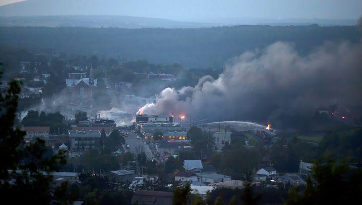 Zugunglück: Feuerball über kanadischer Kleinstadt