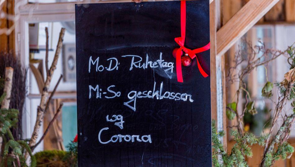 Galgenhumor: Schild vor einer Gaststätte in Bayreuth