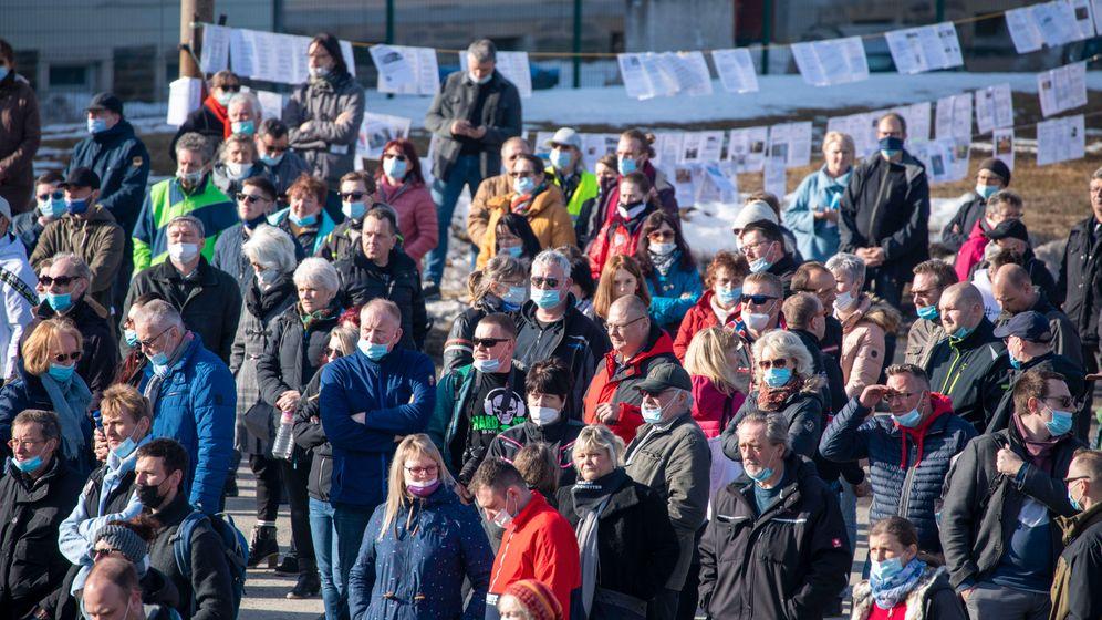 Demo gegen die Corona-Maßnahmen in Annaberg-Buchholz: Nicht sein kann, wasnicht sein darf