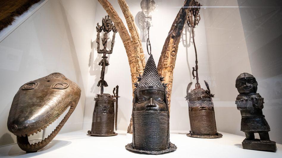 Skulpturen aus Nigeria in der »Afrika«-Ausstellung im Stuttgarter Linden-Museum