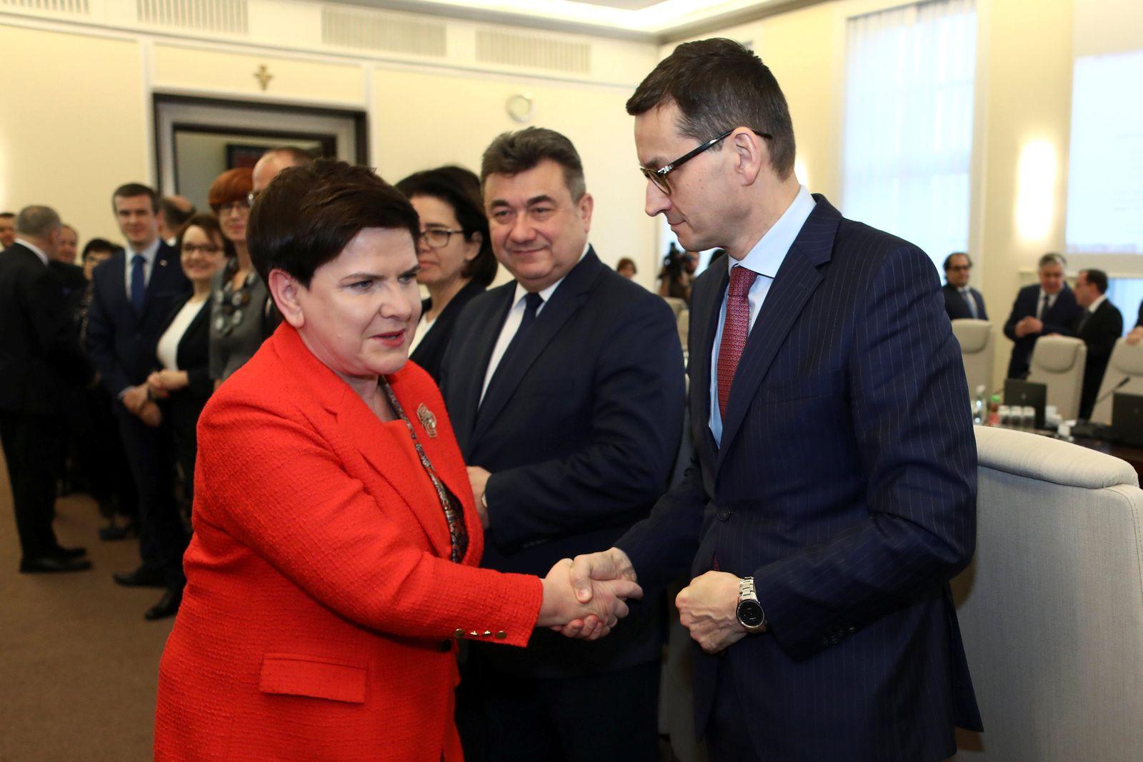 POLAND-POLITICS/GOVERNMENT