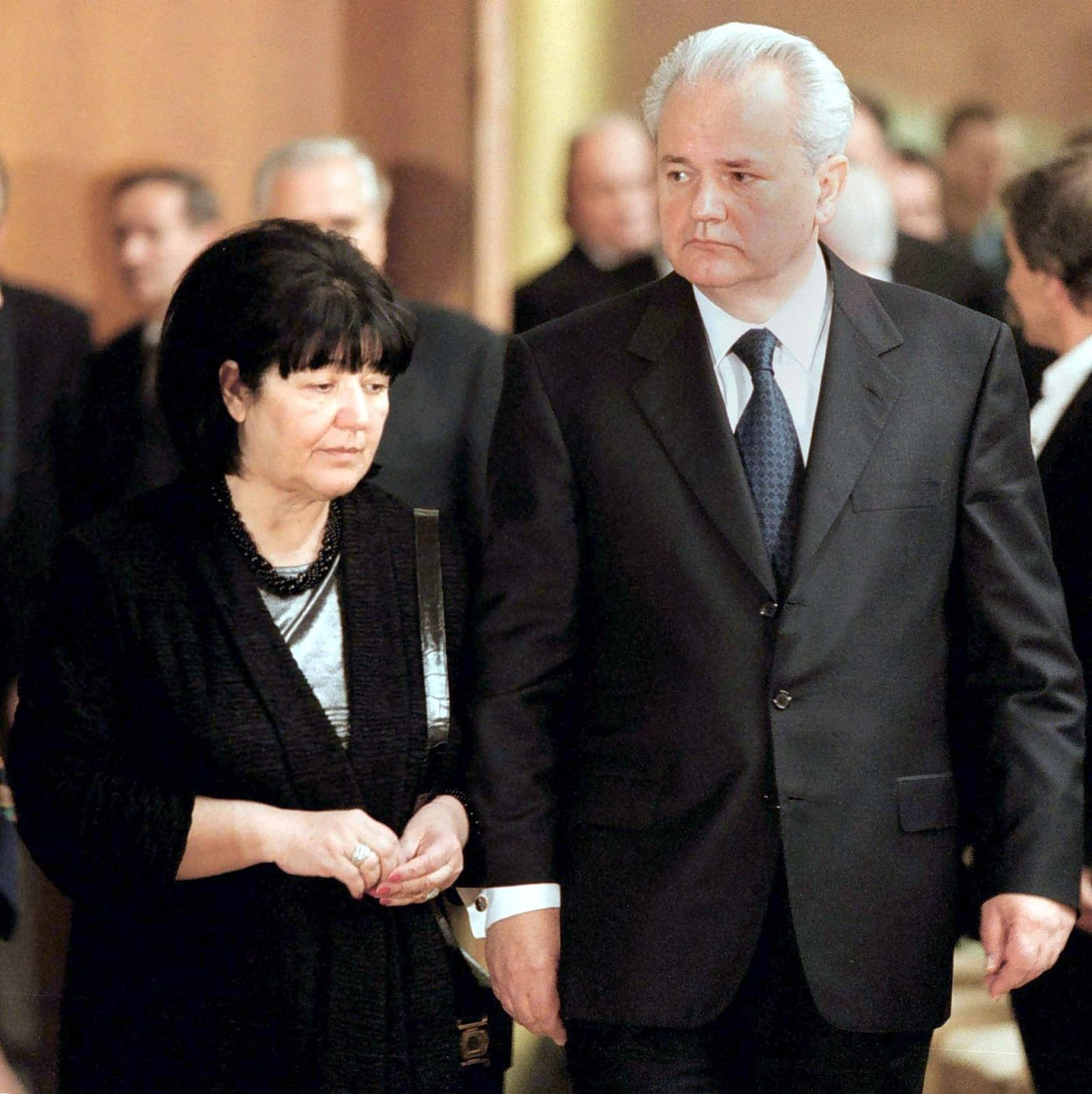 HOLDHOLDHOLD Slobodan Milosevic und Mirjana Markovic
