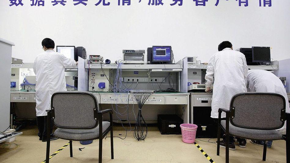 Qualitätstest bei Huawei in Shenzhen: »Vom Land aus die Städte einkreisen«