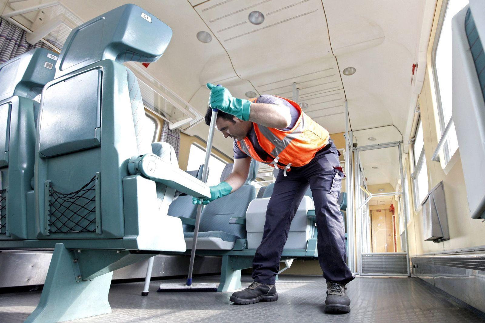 NICHT VERWENDEN Mindestlohn / Reinigungskraft
