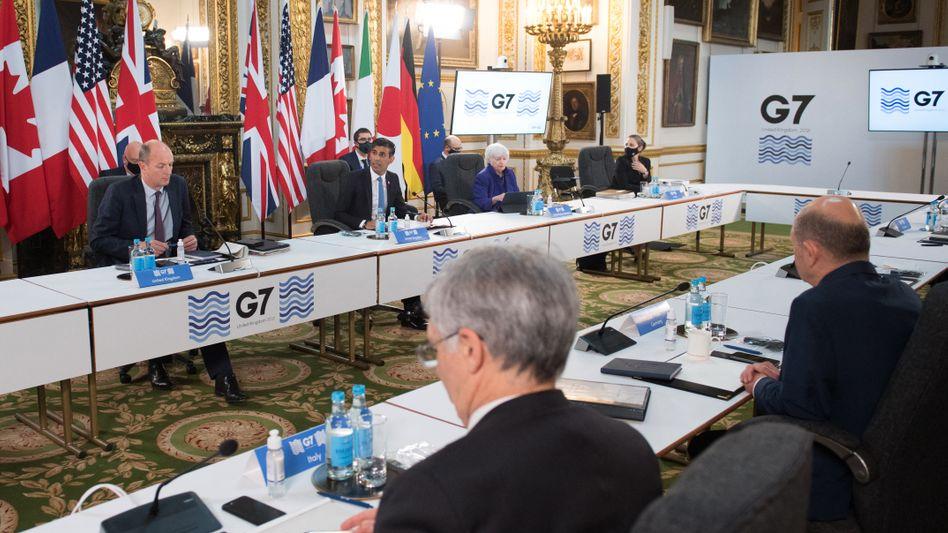 G7-Finanzministertreffen (Archiv): Von der Marktsteuer für die globalen Großkonzerne wären voraussichtlich lediglich sieben deutsche Konzerne betroffen
