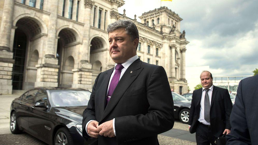 Photo Gallery: Petro Poroshenko Moves to Lead Ukraine