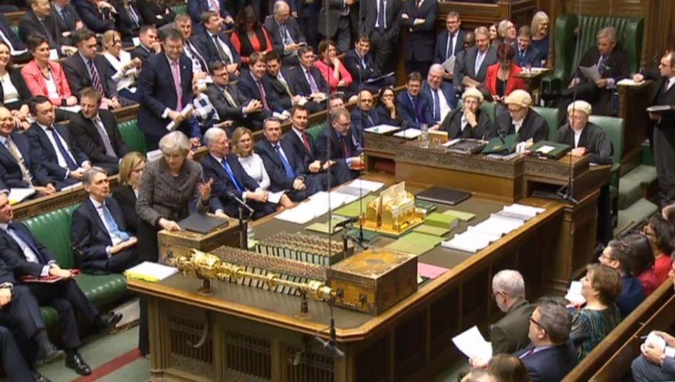 Premierministerin Theresa May im Unterhaus