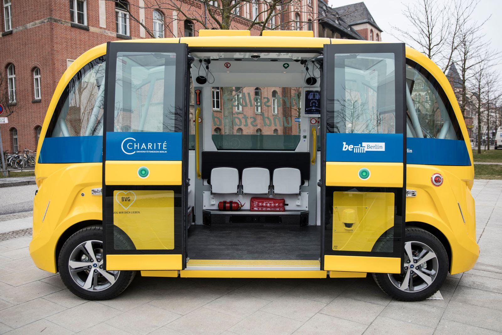 self-driving bus / Berlin