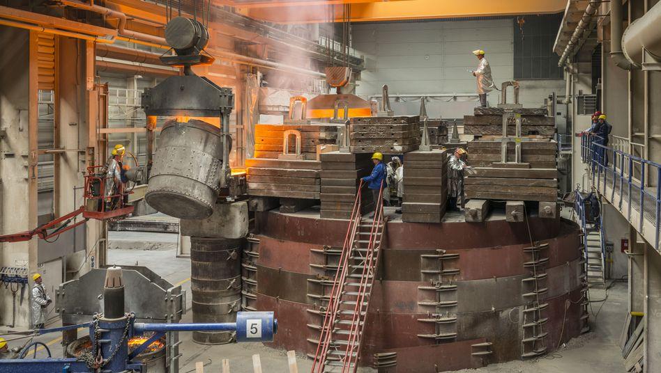 Arbeiter der Mecklenburger Metallguss GmbH