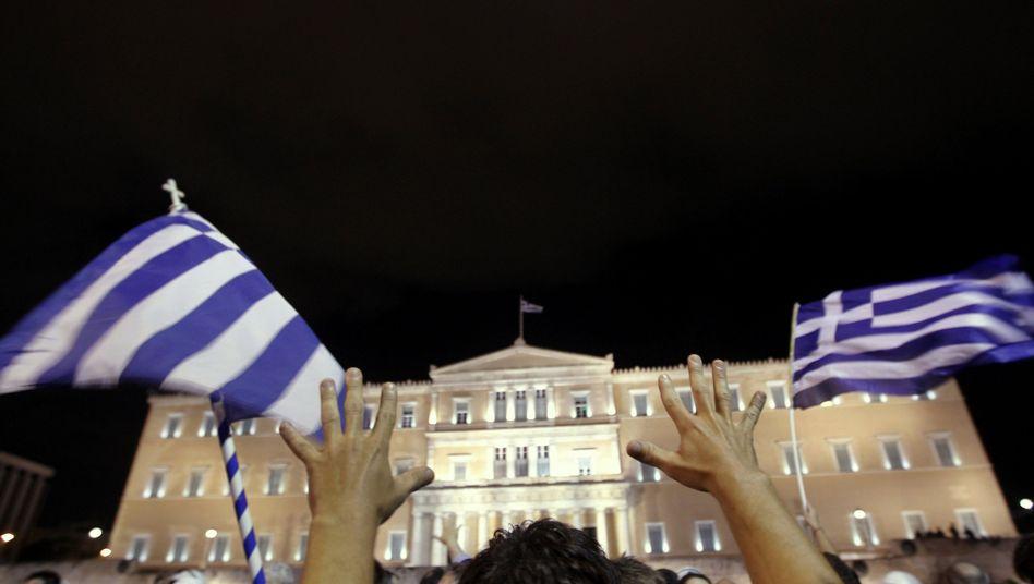 Proteste vor dem griechischen Parlament: Die Ausgaben sind immer noch zu hoch