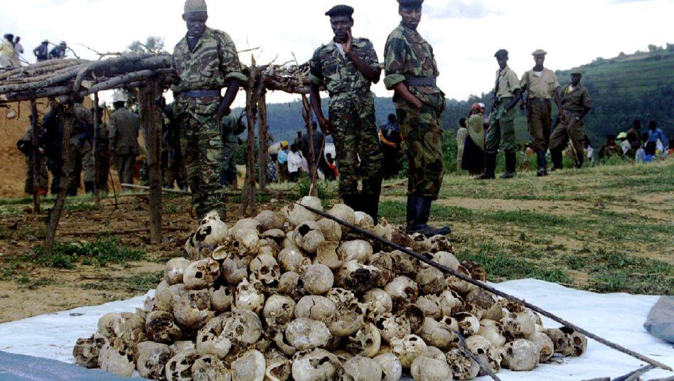 Schädel von Genozid-Opfern in Westruanda