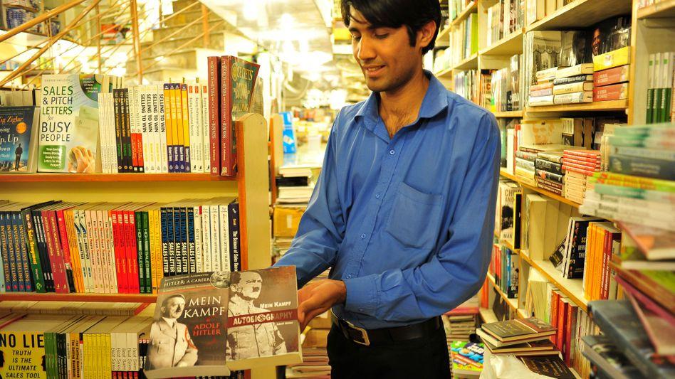 """Buchhändler in Islamabad mit """"Mein Kampf""""-Ausgaben: """"Hervorragende Eigenschaften"""""""