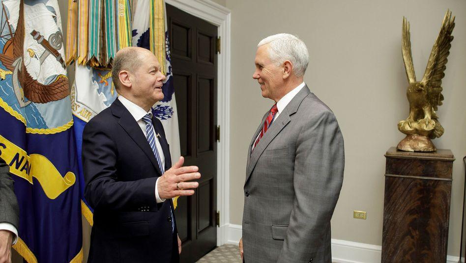 Olaf Scholz mit US-Vizepräsident Mike Pence