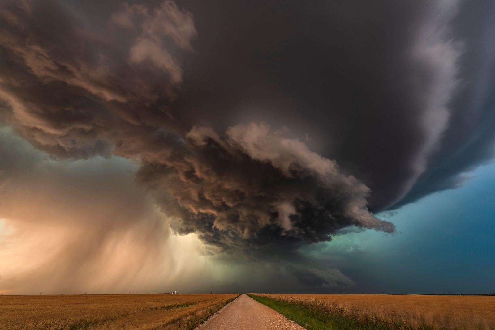 Tornado warned storm pt2, Oklahoma. USA 2018