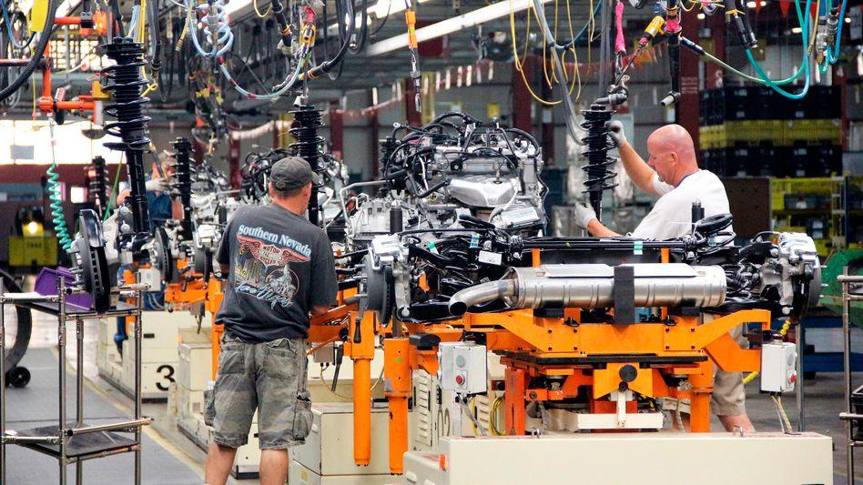 Fließbandarbeit bei GM: US-Chefs bekommen das 300-Fache