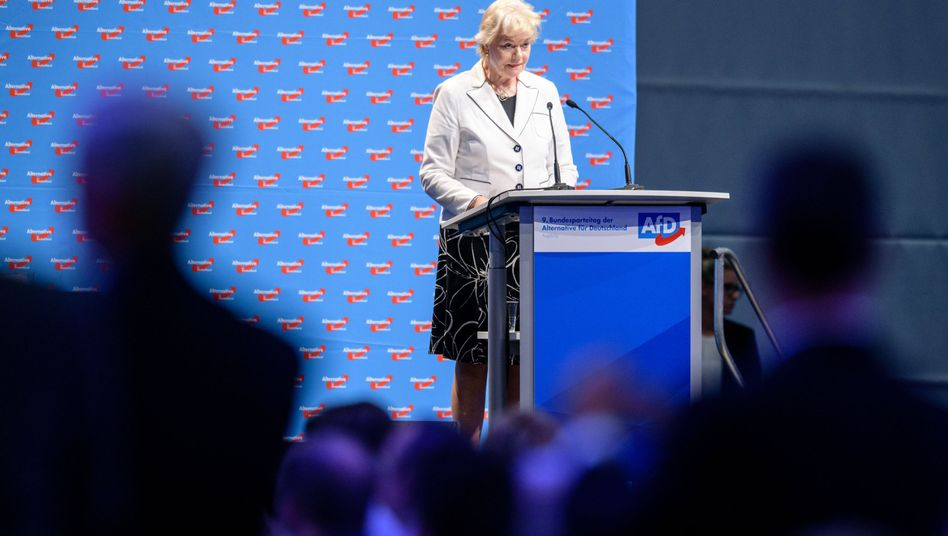 Erika Steinbach, Vorsitzende der Stiftung Desiderius-Erasmus, auf dem Bundesparteitag der AfD