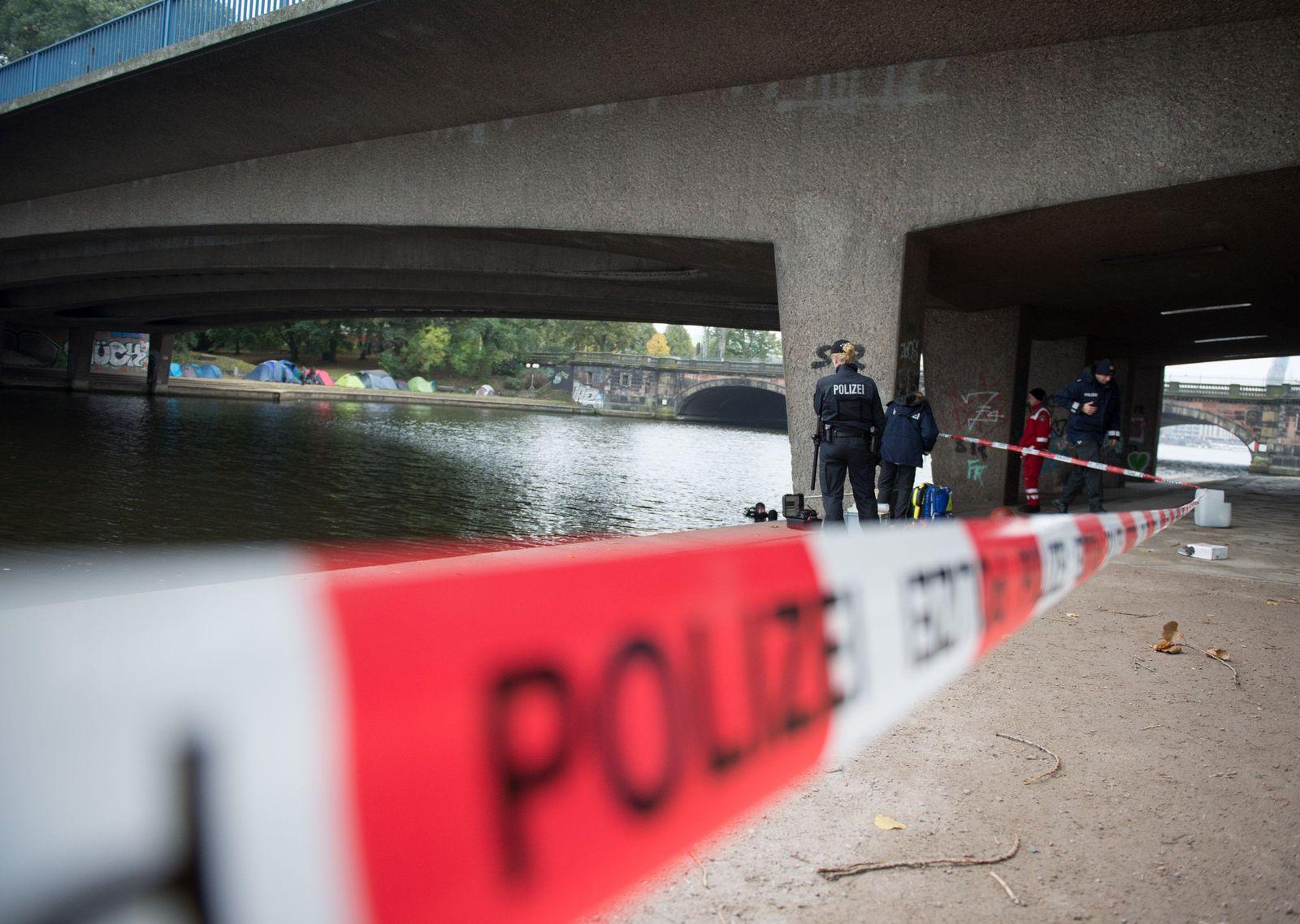 16-Jähriger unter der Kennedybrücke getötet