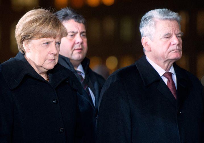 Kanzlerin Merkel, Vizekanzler Gabriel, Präsident Gauck: Einladung aus Moskau