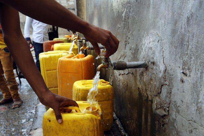 Sauberes Trinkwasser ist rar im Jemen