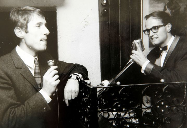 Udo Jürgens 1965 mit dem Discjockey Klaus Quirin