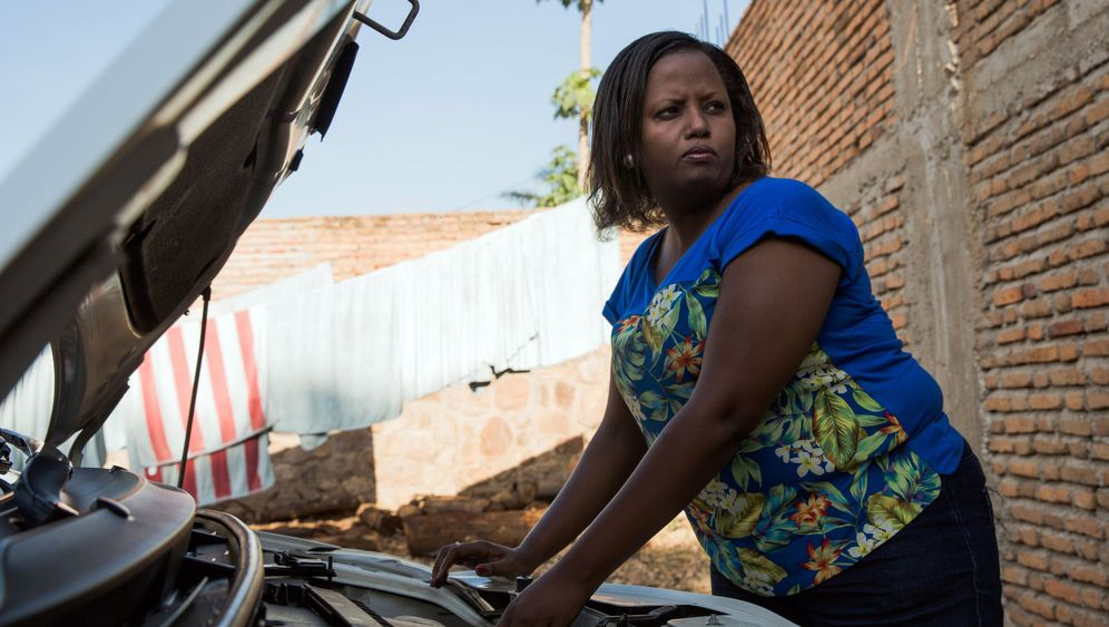 Fotostrecke: Taxifahrerin in Burundi
