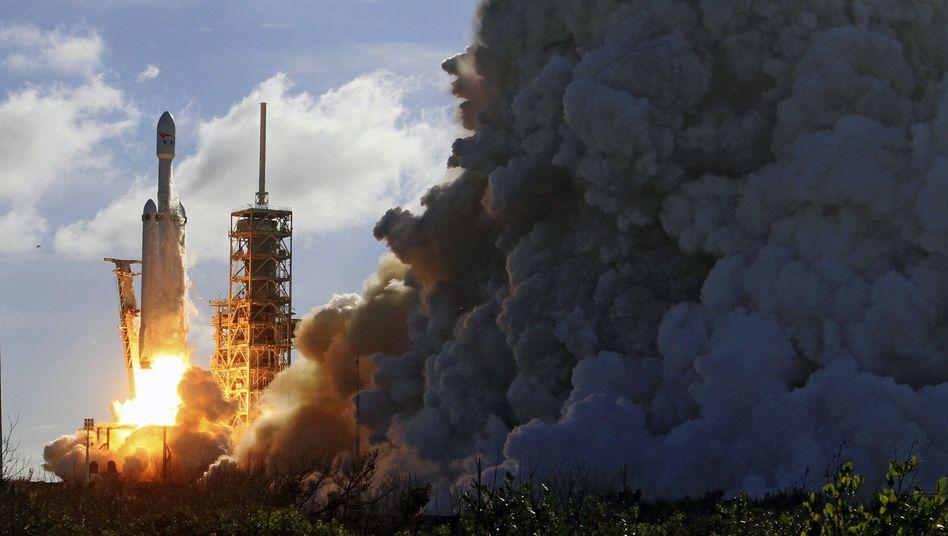 SpaceX-Rakete beim Start in Florida