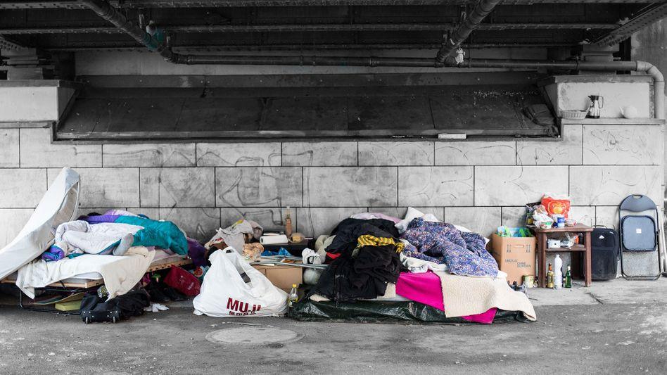 Schlafplatz unter einer Brücke (Archivbild)