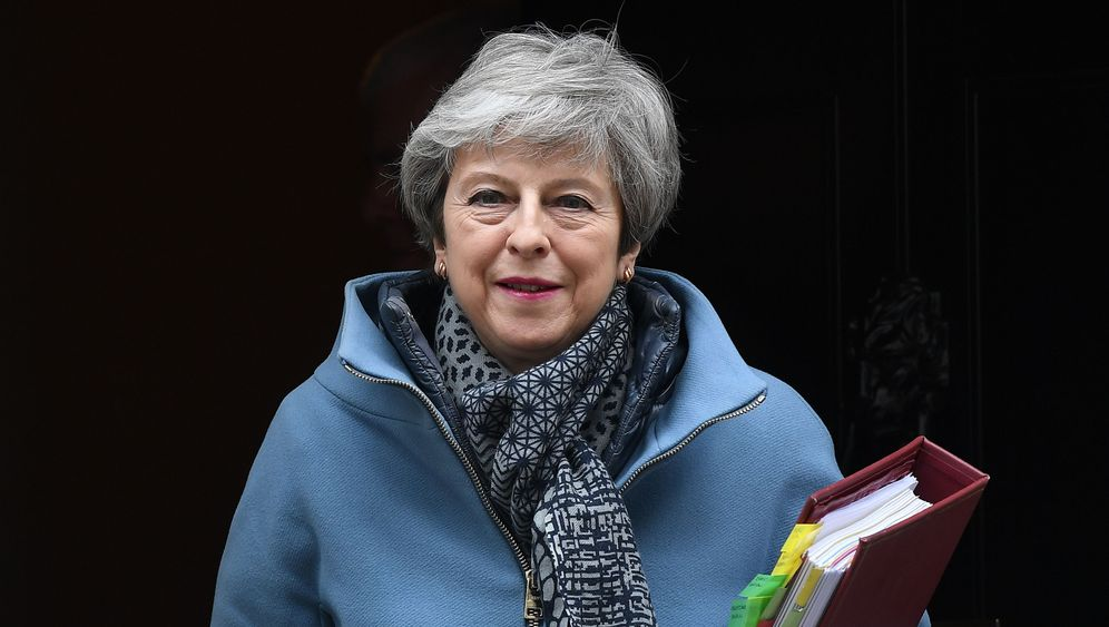 Mays mögliche Nachfolger: Hardliner, Proeuropäer, Widersacher