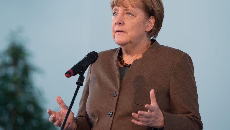 """Merkel zur Länderspiel-Absage: """"Ich war genauso traurig wie Millionen Fans"""""""