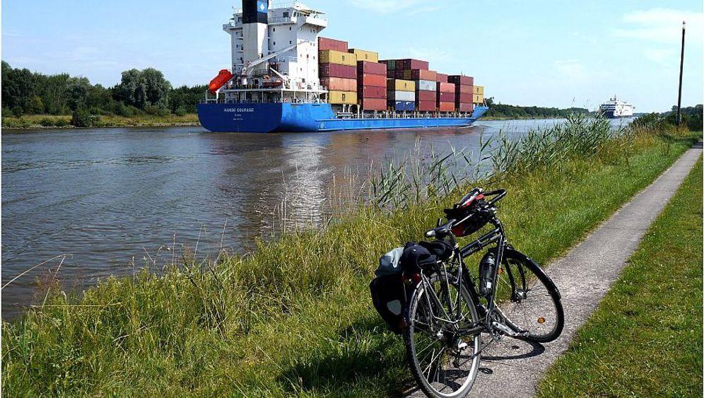 """Nord-Ostsee-Kanal: Wettfahrt gegen die """"Hanse Courage"""""""