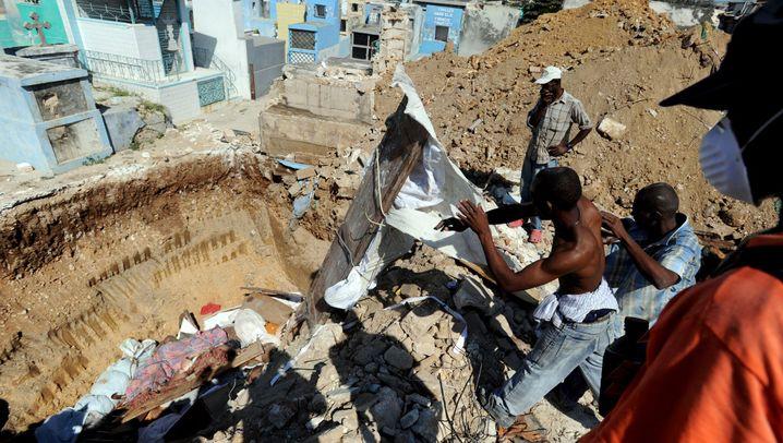 Haiti nach dem Beben: Helfer bergen Tausende Tote