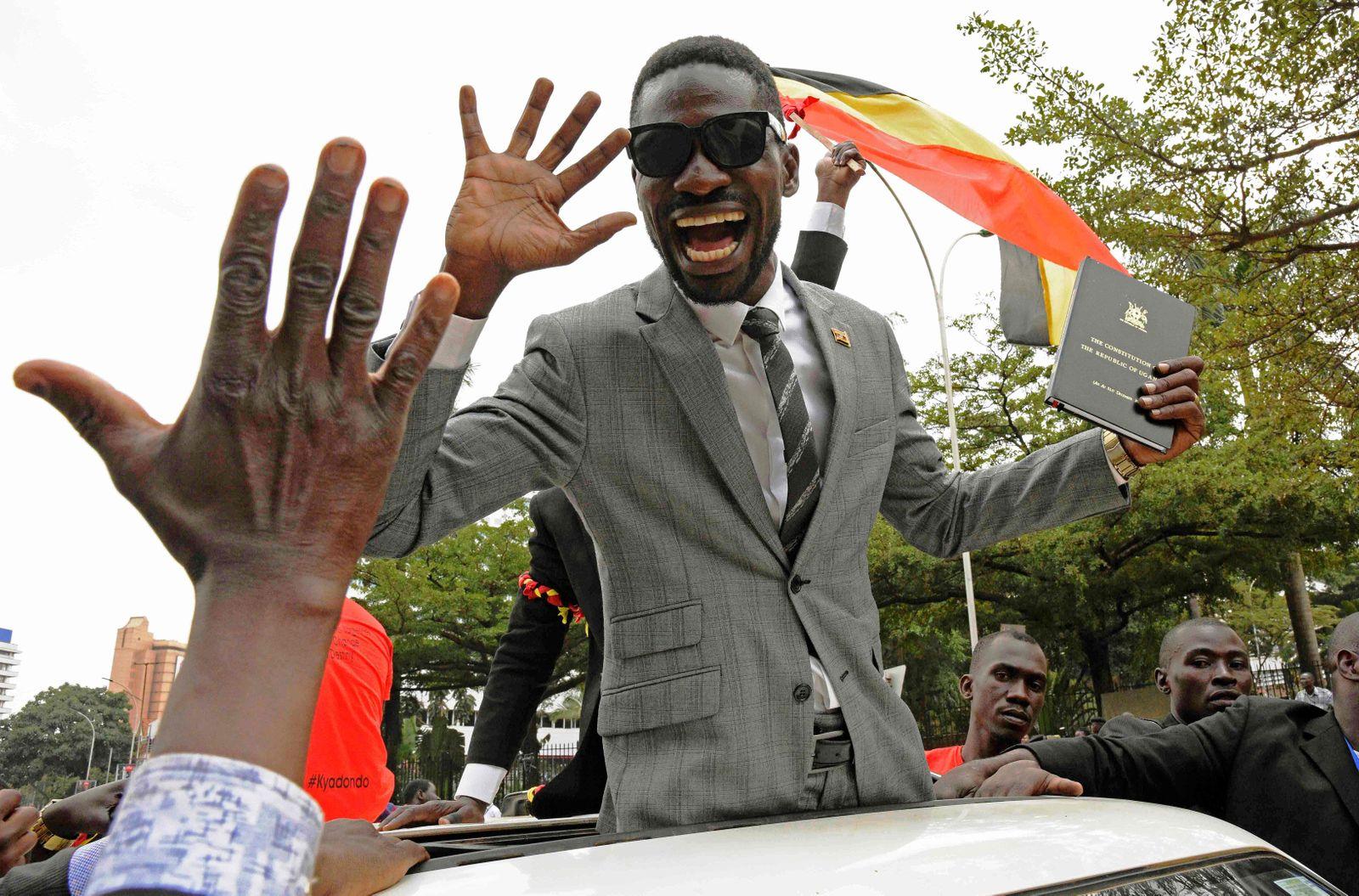 TOPSHOT-UGANDA-POLITICS
