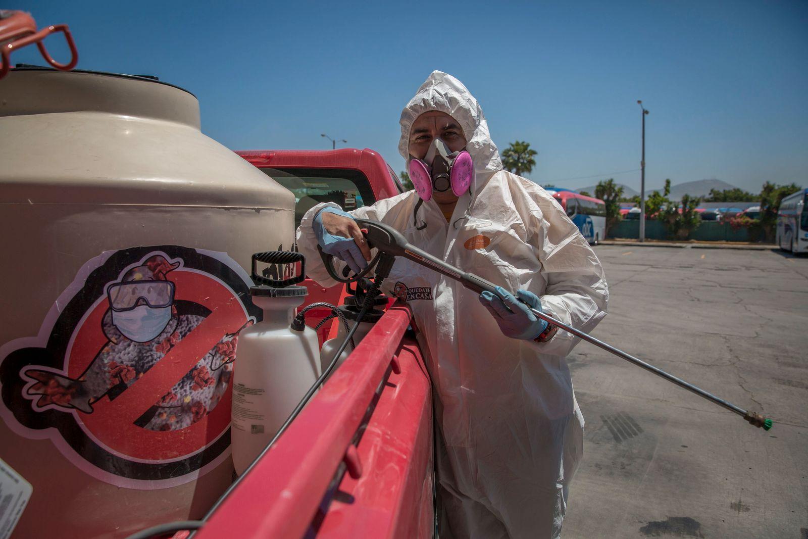 «Covid-Jäger» kämpfen in Tijuana gegen das Coronavirus