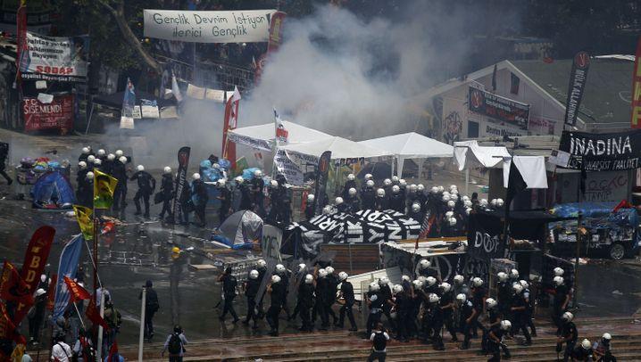 Erdogan-Proteste: Polizei räumt Gezi-Park in Istanbul