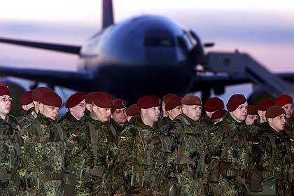 Köln: Die Soldaten vor ihrem Abflug nach Afghanistan