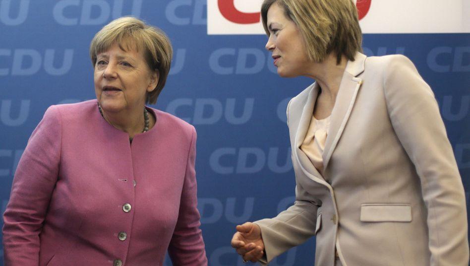 """CDU-Politikerinnen Merkel und Klöckner (Archivbild): """"Plan A ist nicht gescheitert"""""""