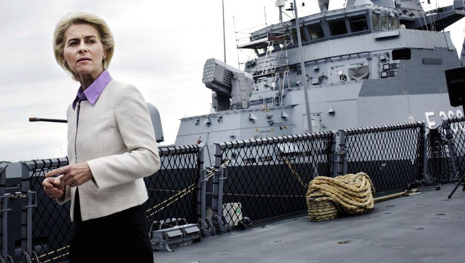 """Politikerin von der Leyen auf der Korvette »Oldenburg"""": »Kein Ruhmesblatt«"""