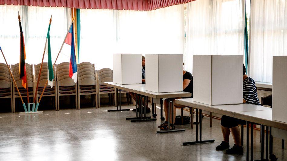 Eine Wahl vor Corona - mit Papier und Stift in Sachsen 2019