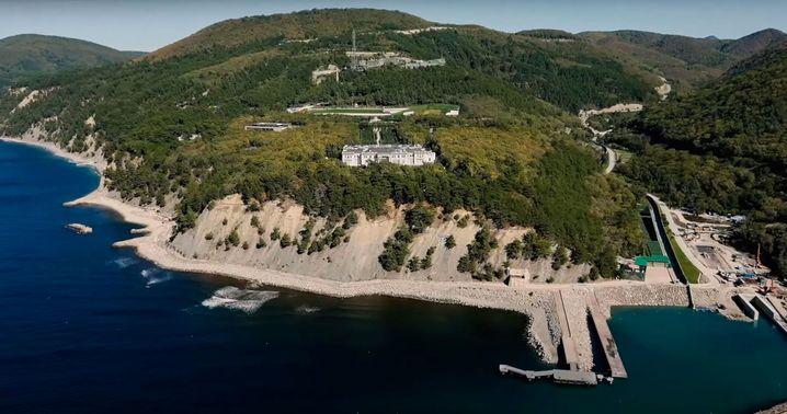 Das Luxus-Anwesen am Schwarzen Meer, von dem Nawalny sagt, es sei Putins Palast