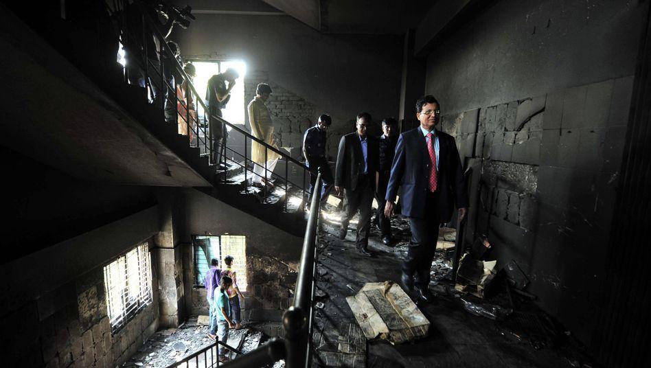 Feuerkatastrophe in Dhaka: Ermittlungen nach Großbrand in Textilfabrik
