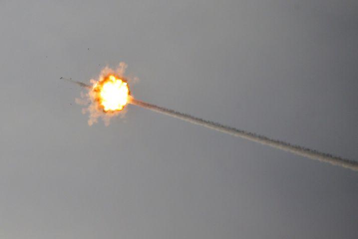 Israelische Luftabwehrrakete fängt Projektil aus Gaza ab (am 5. Mai)