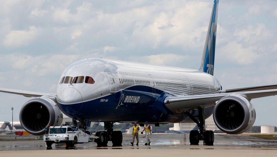 Die erste Boeing 787-10 »Dreamliner« nach ihrem Jungfernflug auf dem Charleston International Airport (Archivbild)