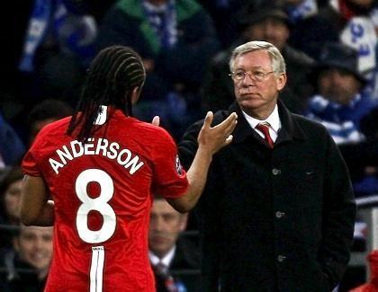 ManU-Trainer Ferguson, Spieler Anderson: Raus gegen Everton