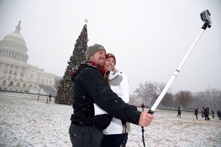 Schnee-Selfie in Washington: Stange raus statt Leute ansprechen