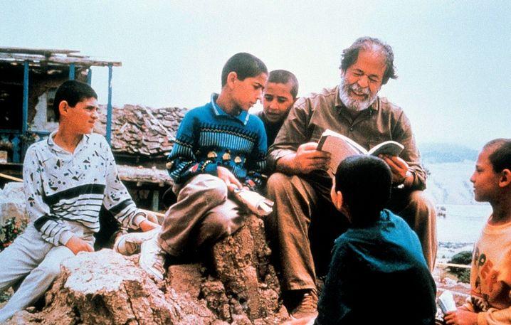 """Szene aus """"Quer durch den Olivenhain"""" (1994): internationale Anerkennung"""
