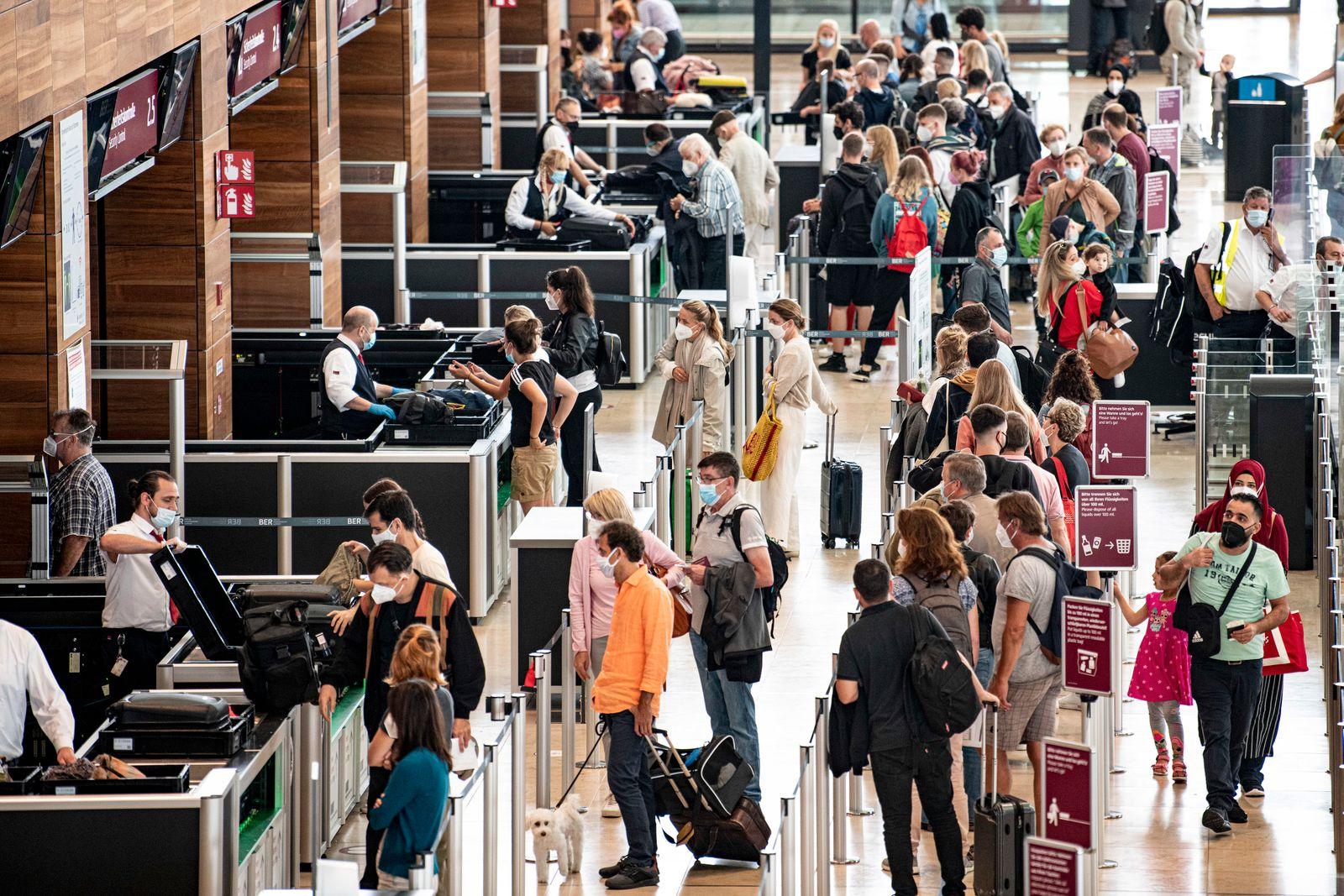 Lufthansa rechnet mit Wartezeiten für Flugreisende