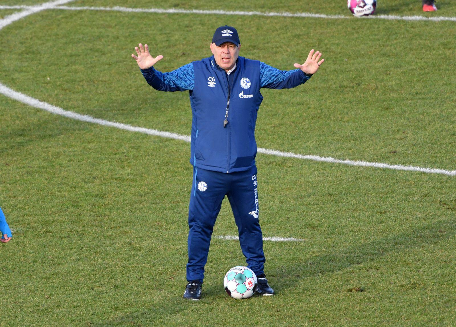 Trainer Christian Gross (FC Schalke 04) 28.12.2020, Fussball GER, Saison 2020 2021, 1. Bundesliga, Training FC Schalke
