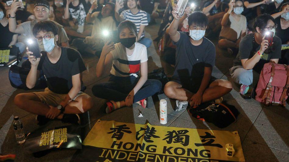 Proteste in Hongkong: Die demokratische Opposition geht davon aus, dass das Gesetz vor allem auf sie abzielt