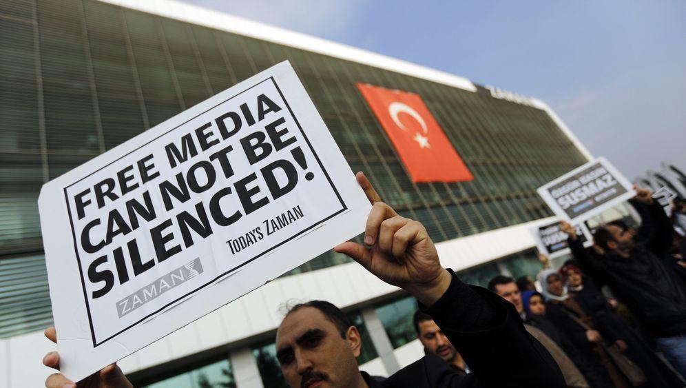 Türkischer Polizeieinsatz: Razzia in der Redaktion
